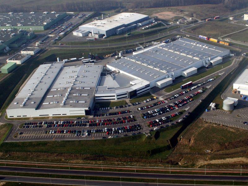 Faurecia stawia na Polskę. Kolejna inwestycja w Wałbrzychu - fabryka firmy Faurecia  z lotu ptaka